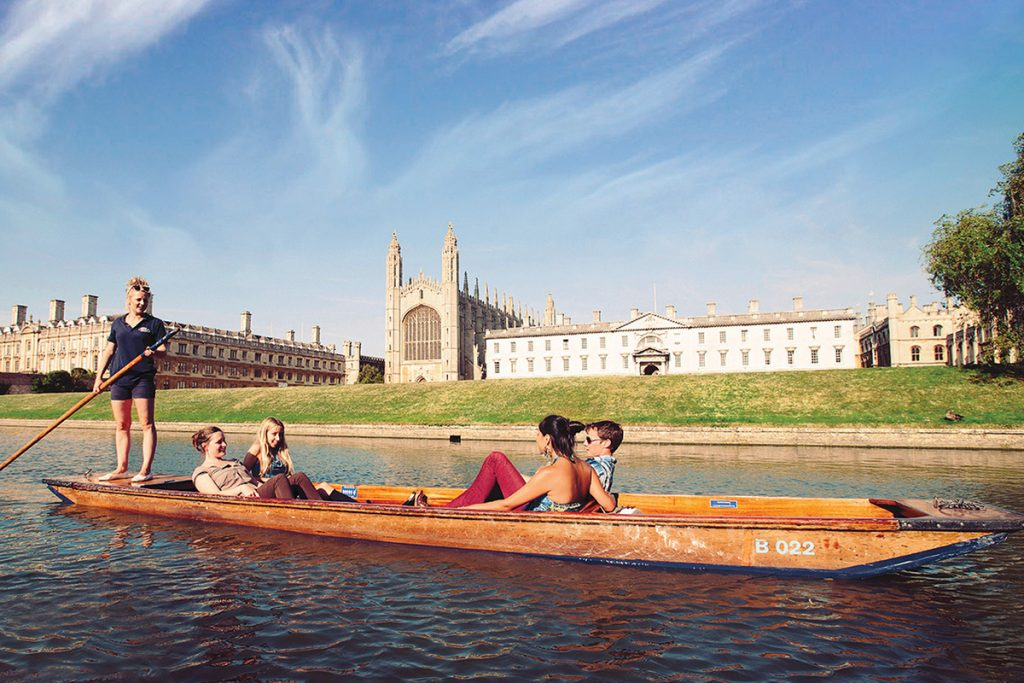 chauffeured-cambridge-punting-tour-08112941